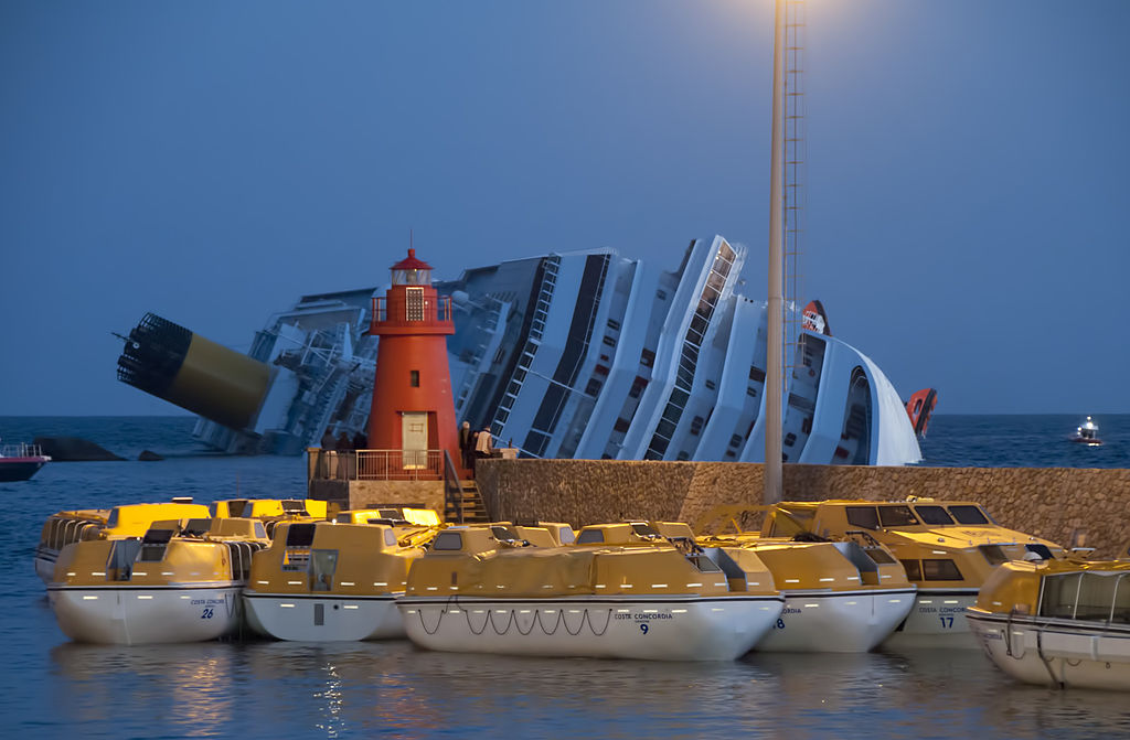 1024px-collision_of_costa_concordia_24